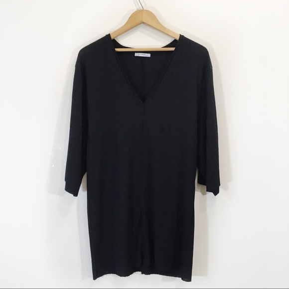 Zara Tunic Ribbed Sz Medium Black  Shortsleeve